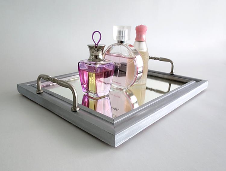 Make a mirror tray