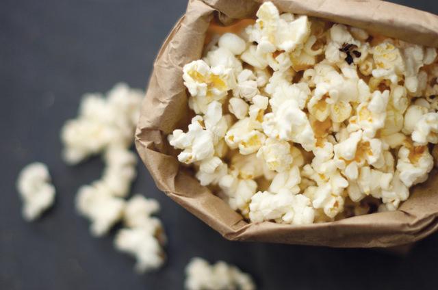 ¿Acaso son tóxicas las palomitas de maíz para microondas?