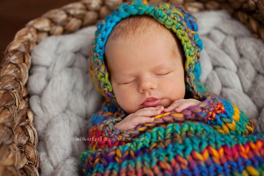 sesja fotograficzna noworodka, sesje zdjęciowe niemowląt, fotograf dziecięcy, zdjęcia dziecka na prezent