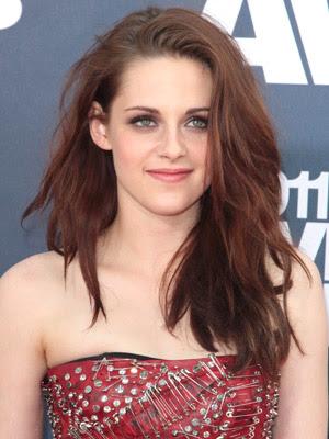 Kristen Stewart Wavy Hairstyle