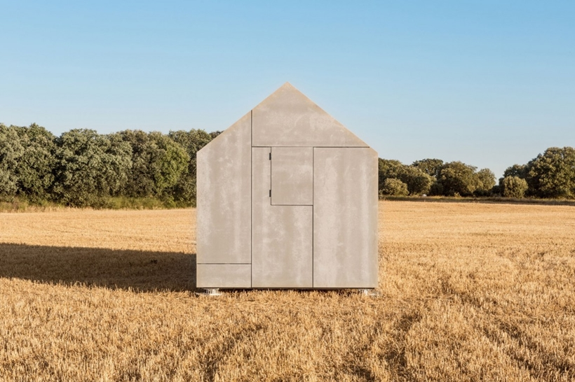 Side facade of a portable home