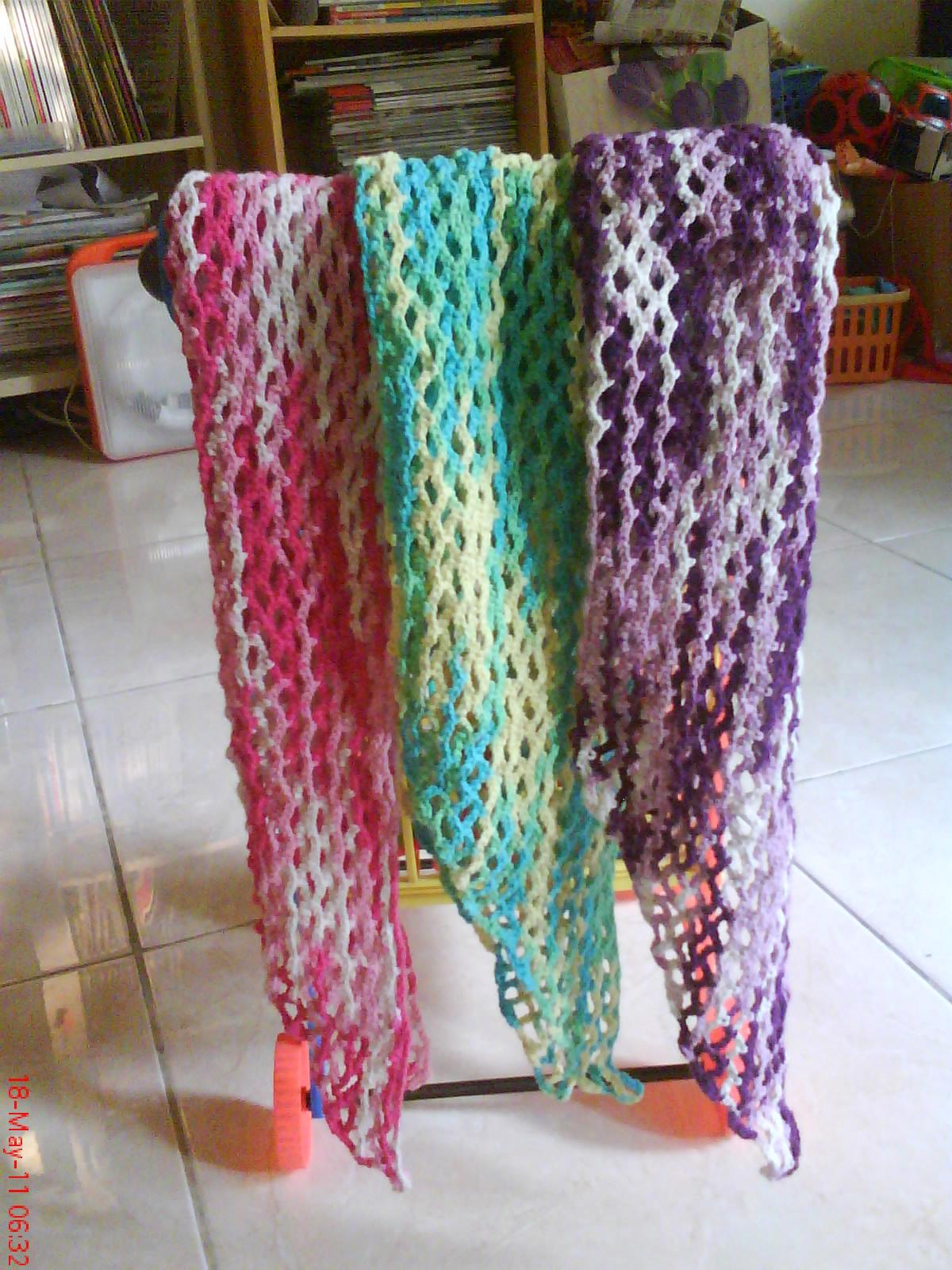 Knitted Artinya : Bros rajut crochet brooch knitting and crocheting