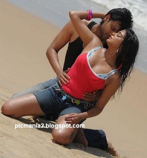 Priyamani hot cleavage