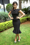Samantha latest photos in black-thumbnail-16