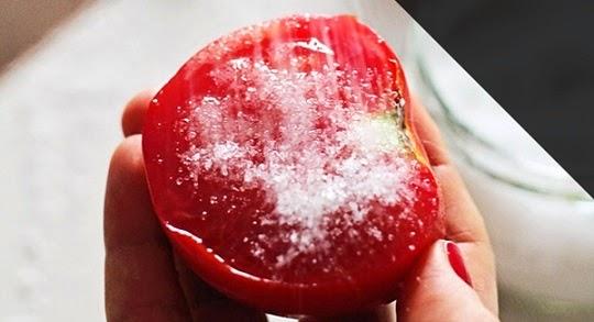 Cara Mencegah Jerawat Dengan Scrub Tomat Buatan Sendiri