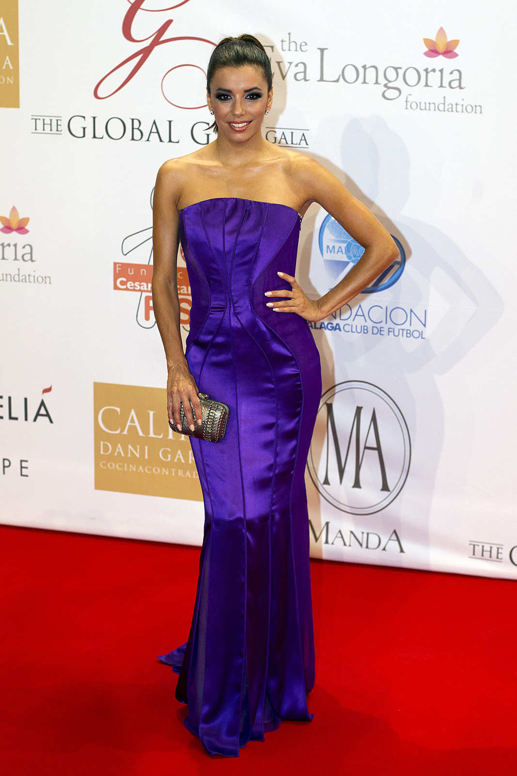 http://2.bp.blogspot.com/-212yEZJx57I/UDhOgRKQXSI/AAAAAAAAbXo/O5oLAI1cW74/s1600/Eva+Longoria+at+The+Global+Gift+Gala+2012+in+Marbella+%281%29.jpg