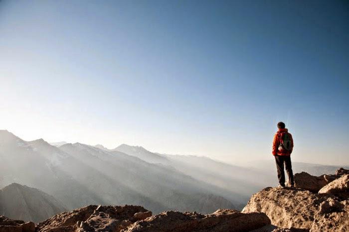 mendaki gunung