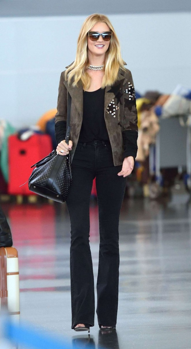 Rosie Huntington Whiteley – Arrives at JFK Airport in NY