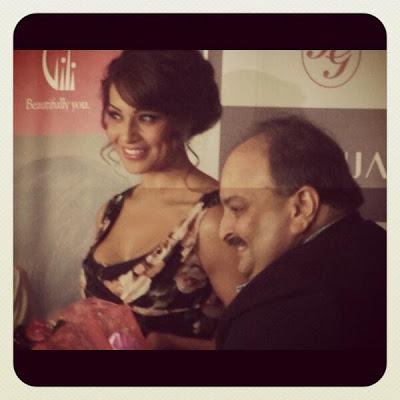 Bipasha Basu launches Gili at Paris gallery in Dubai mall