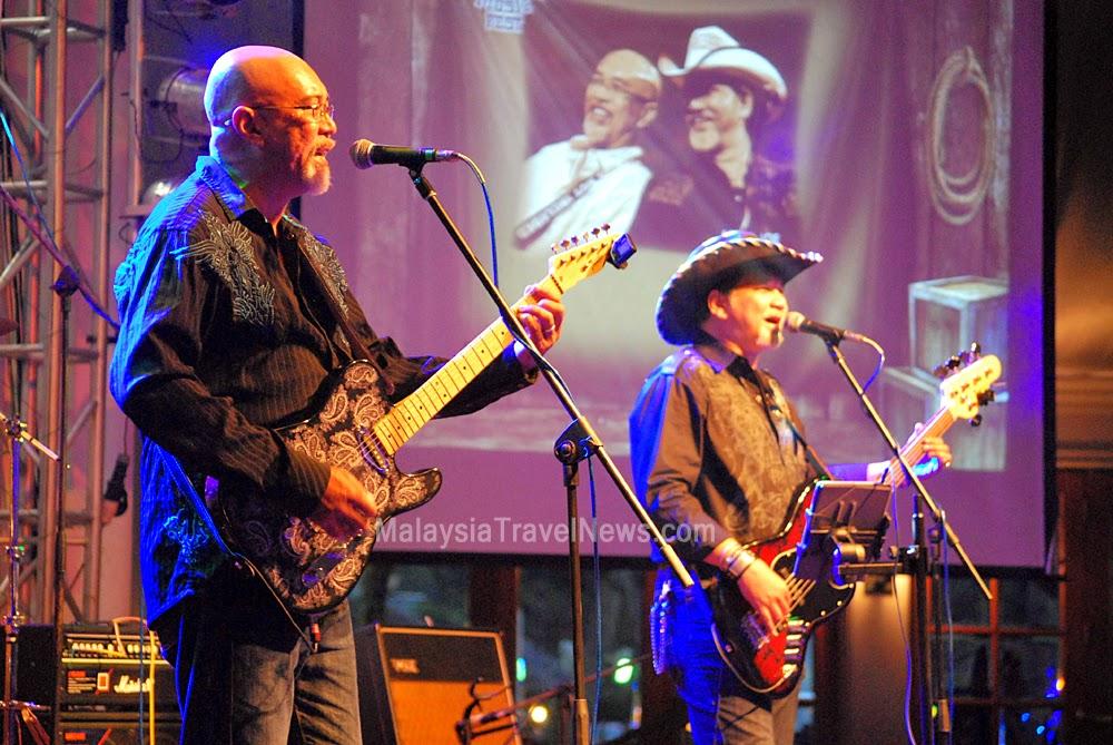 Mel and Joe at Miri Country Music Festival