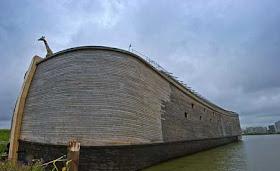 """هولندي يشيد """"سفينة نوح"""" خشية 5.jpg"""