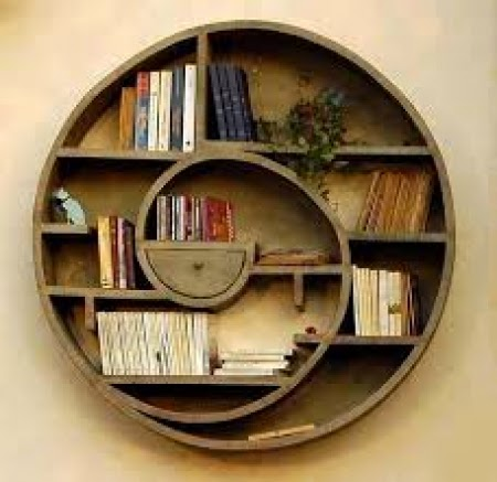 Wooden book shelve round shape