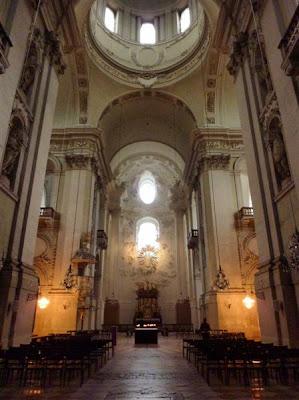 Interior de Kollegienkirche