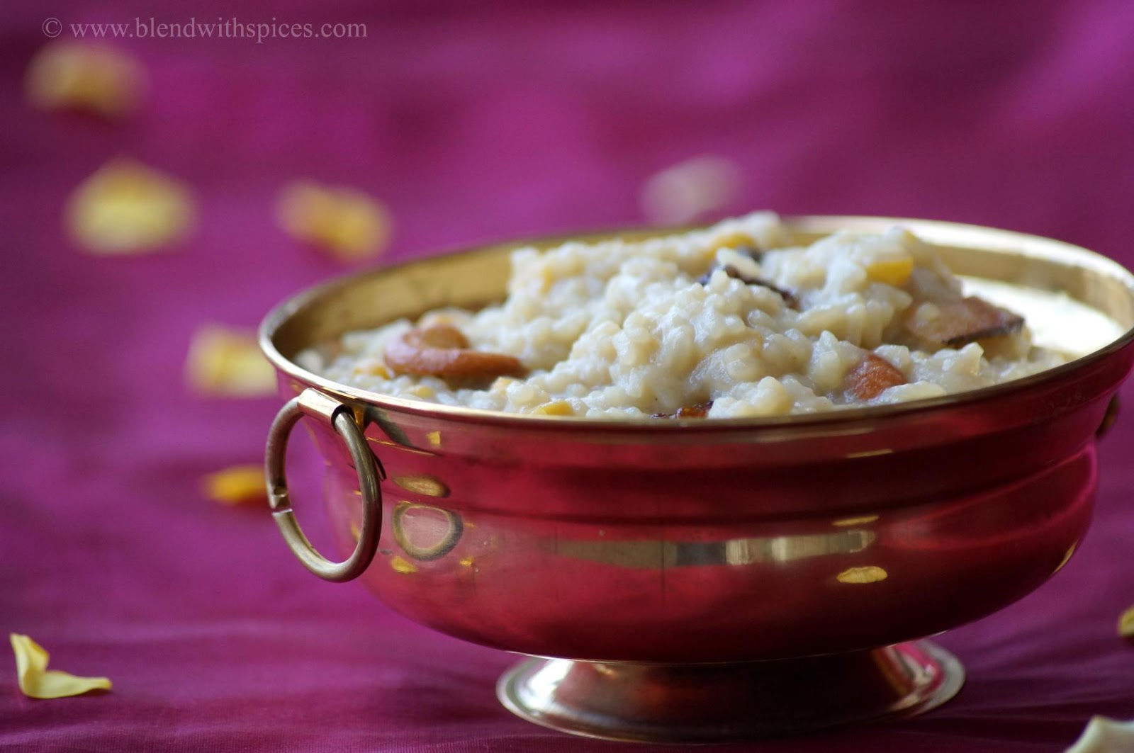 recipe of jaggery pongal, how to make jaggery pongal, sweet jaggery pongal