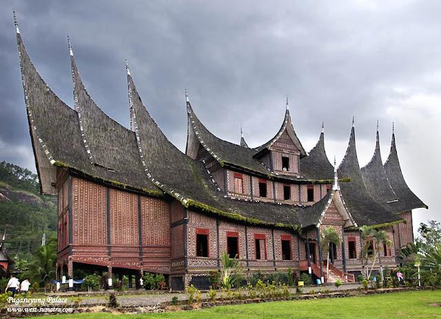 contoh gambar istana pagarruyung