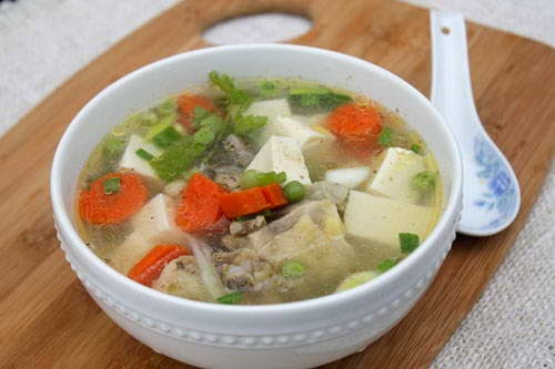Vietnamese Soup Recipes - Chicken Soup with Tofu and Vegetables