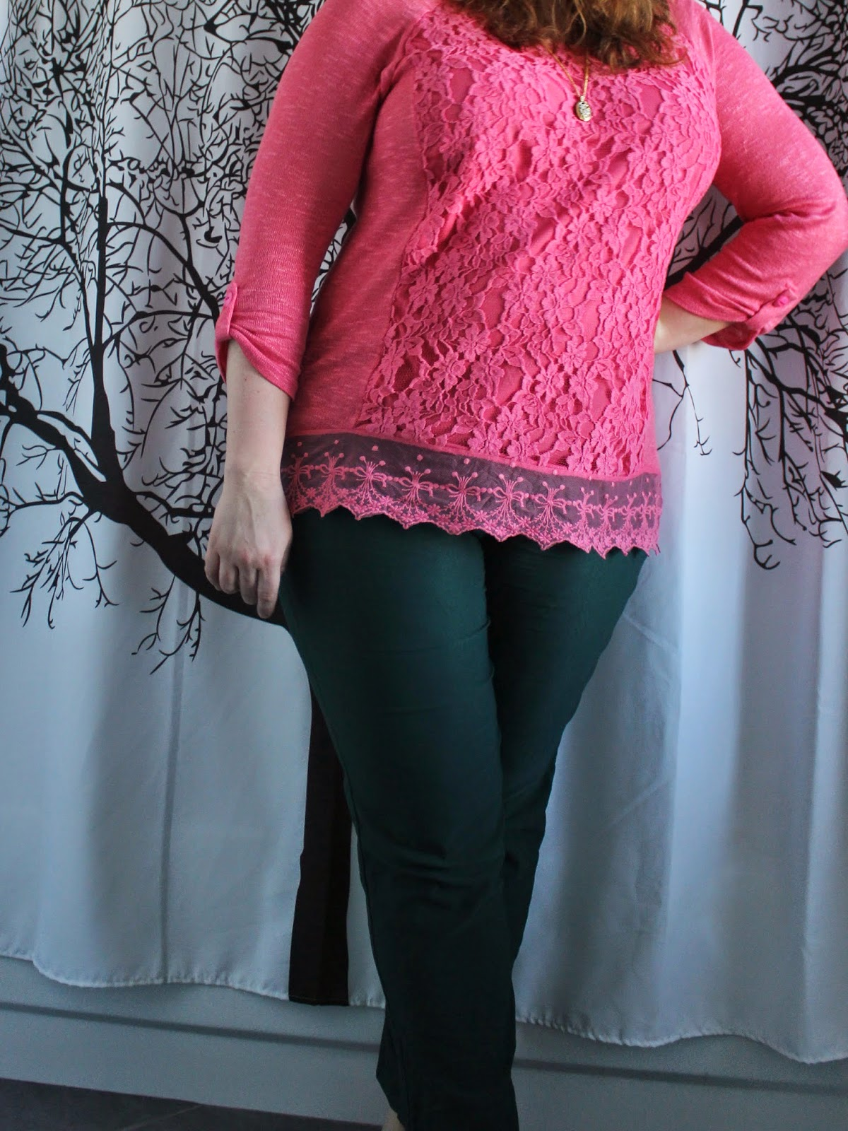 pink lace hem tunic, green ankle pants, pink lace flats