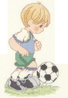top oynayan çocuk deseni
