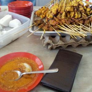 Lindaf sweet escape sarawak for food for X cuisine miri