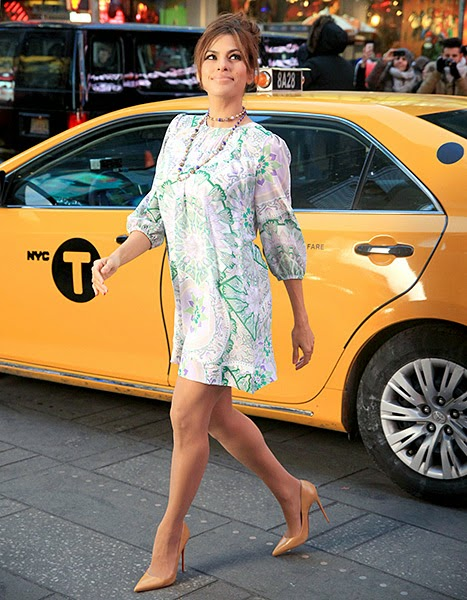 Eva Mendes Reveals Toned Legs in a very Short Minidress: See Her Slim Post-Baby Body