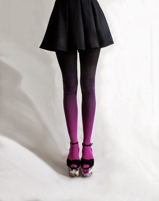 Vía Pinterest por Gosia Bujalska en http://www.etsy.com/es/listing/95154981/bzr-ombre-tights-in-fuschian-violet?ref=v1_other_1