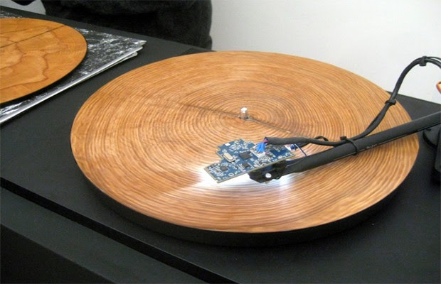 This Is What It Sounds Like When You Put Tree Rings On A Record Player
