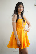 actress pragathi hot photos in yellow-thumbnail-15