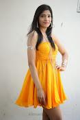 actress pragathi hot photos in yellow-thumbnail-15