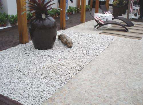 pedras jardim goiania : pedras jardim goiania:Piso de Seixo rolado – Obispa Design