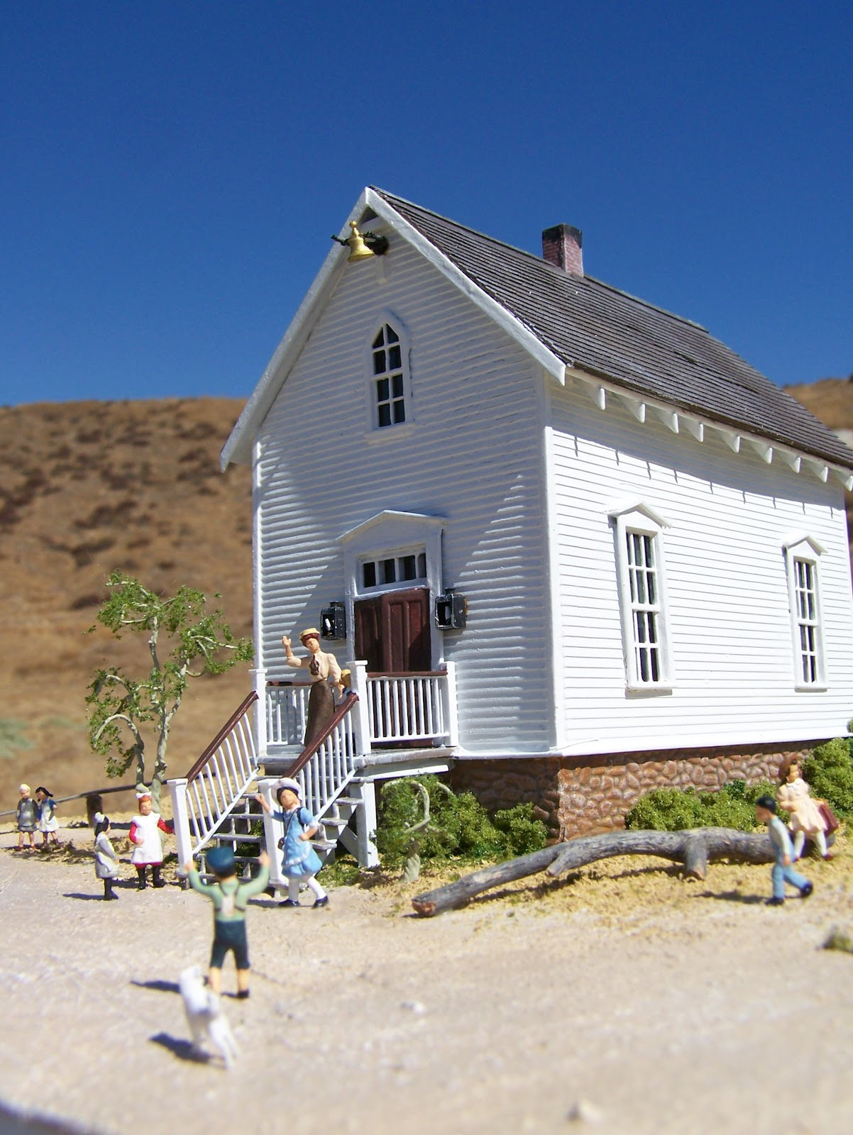 Mike cozart design and model walnut grove school house for The grove house