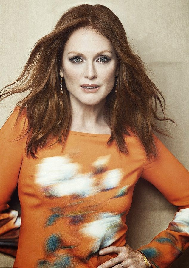 We just don't understand why Julianne Moore can't pull away her age. We assume it might be a bit tough living in the spotlight when all anyone constantly speaking about her dignity for World of Entertainment. There was nothing, but elegant and feminine beauty to be seen as the 53-year-old opted for a flowing length dress in unpretentious brown for November issue of More Magazine.