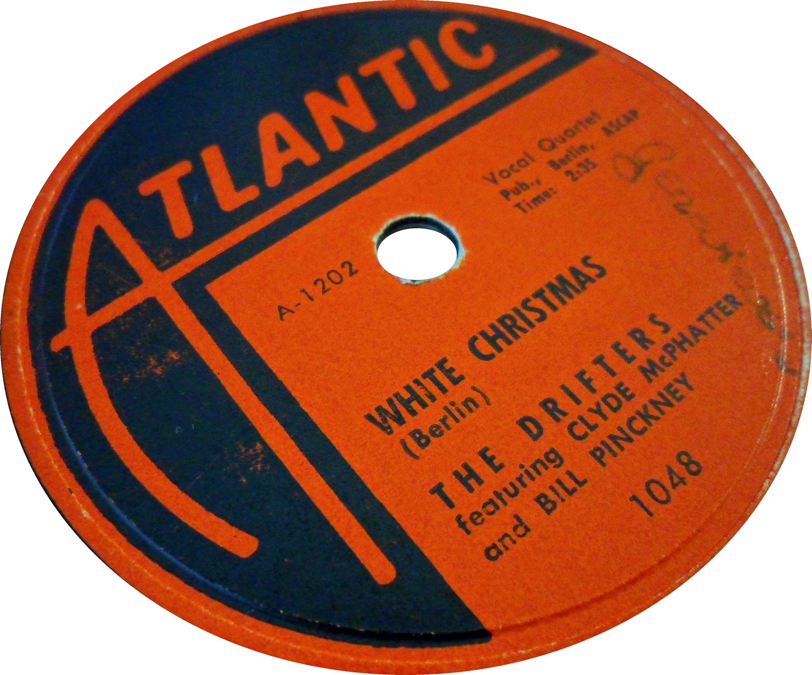 after winning an amateur night at the apollo he joined billy wards dominoes and later was a founding member of the first incarnation of the drifters - White Christmas By The Drifters