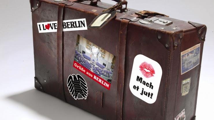 http://www.google.de/imgres?imgurl=http%3A%2F%2Fwww.noz.de%2Fmedia%2F2013%2F08%2F14%2Fkoffer_full.jpg&imgrefurl=http%3A%2F%2Fwww.noz.de%2Fdeutschland-welt%2Fpolitik%2Fartikel%2F9226%2Fbye-bye-bundestag-100-abgeordnete-nehmen-abschied&h=417&w=741&tbnid=7jUJmCsYZmqr3M%3A&zoom=1&docid=SVnC9FWnGwPECM&ei=bNHDU-j_LqXe4QS4lID4Bw&tbm=isch&client=firefox-a&iact=rc&uact=3&dur=2477&page=1&start=0&ndsp=38&ved=0CDoQrQMwCA