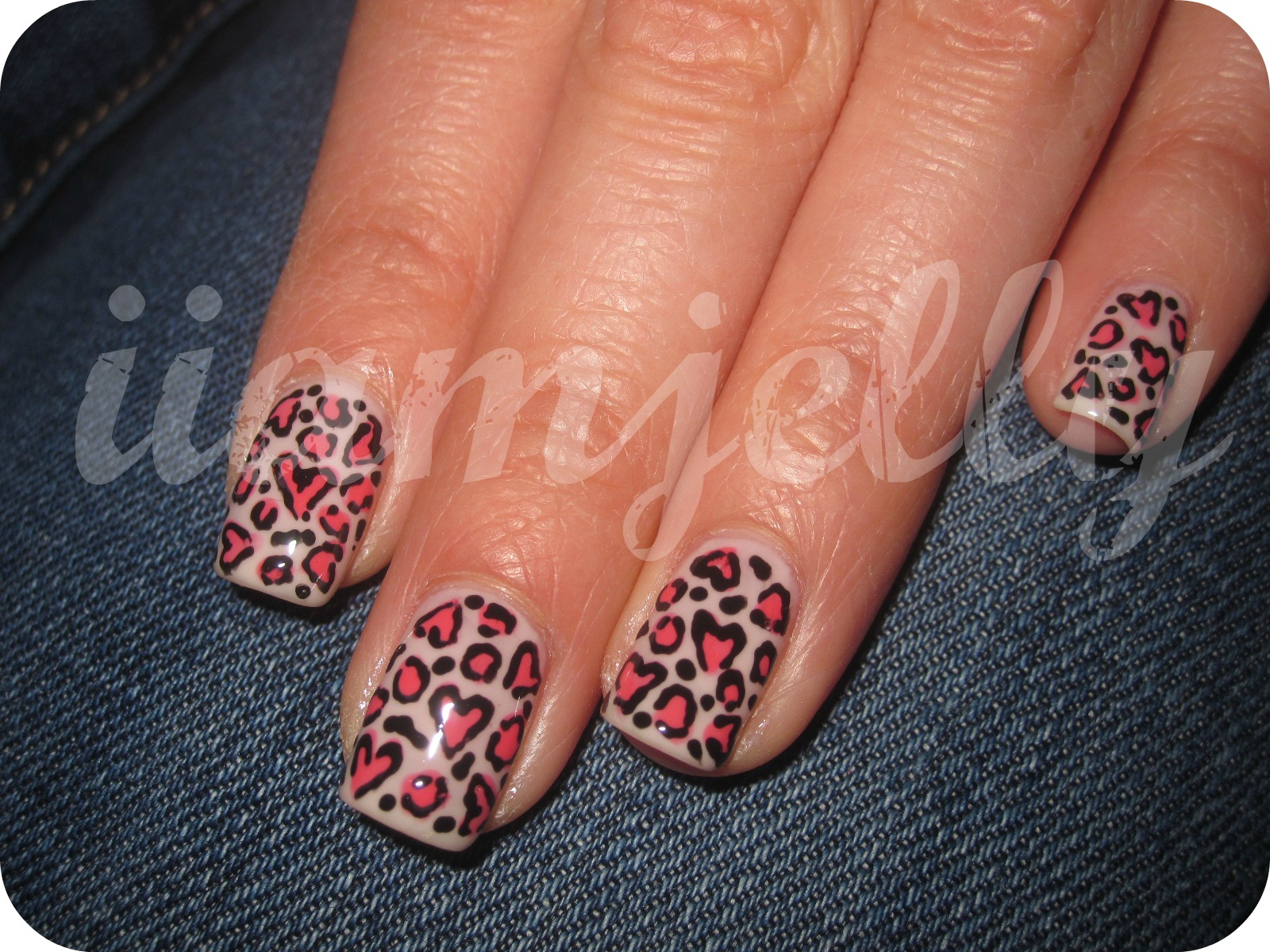 Easy leopard print nail design