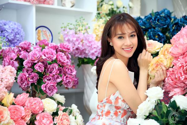 Cherry Ngọc Trâm sinh năm 1993, từng là một trong những thành viên của nhóm nhạc teenpop TVM.