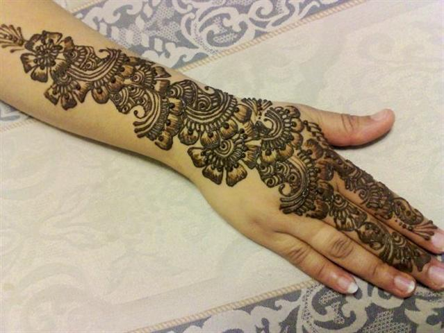 Simple Hand Mehndi Designs