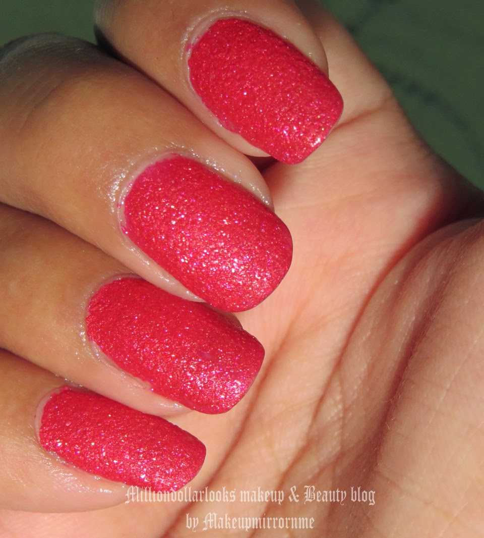 Maybelline Color show Glitter mania shade 04 Red Carpet Review, Pictures and NOTD, http://milliondollarlooks.blogspot.com/ Indian makeup and beauty blog, Indian makeup blog, Indian beauty blog, Beauty and makeup blog, Makeup and beauty blog India, Beauty blogger, Youtube beauty gurus India