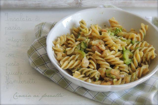 insalata di pasta pesto gamberetti zucchine