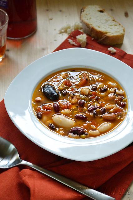 Παλικαριά σούπα / Legumes soup