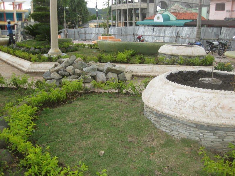 ATACANDO |: Dan toques finales a parque de Hato Mayor