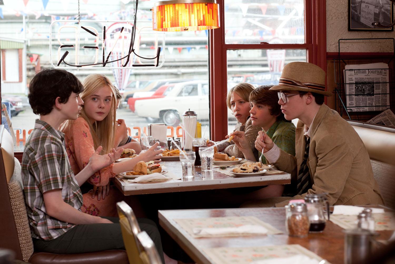 http://2.bp.blogspot.com/-24zFUUpb_R0/Tkptqn-guII/AAAAAAAADvc/_a2wMT7MX6A/s1600/photo-Super-8-2010-7.jpg