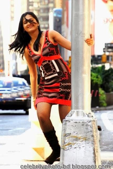 Anushka+Shetty%2527s+Sizzling+Photoshoot003