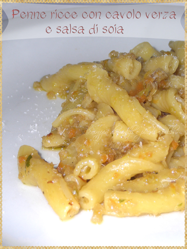Pasta con cavolo verza e salsa di soia