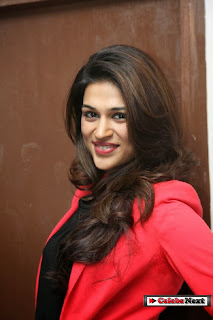 Actress Shraddha Das Latest Pictures at Yes Mart Showroom Launch 0006