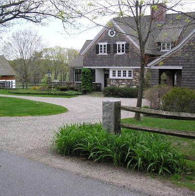 Fachadas de casas r sticas dise os y materiales for Semi circle driveway designs