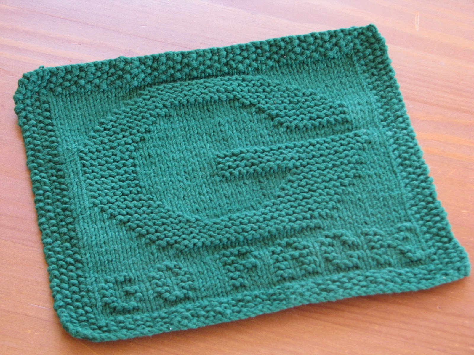 One Crafty Mama: Go Pack! Green Bay Packers Dishcloth
