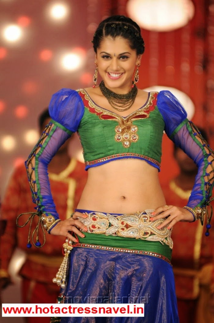 Tapsee Exposes Her Hot Milky Navel