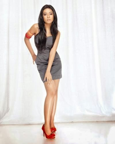 amrita-rao-in-grey-mini-dress