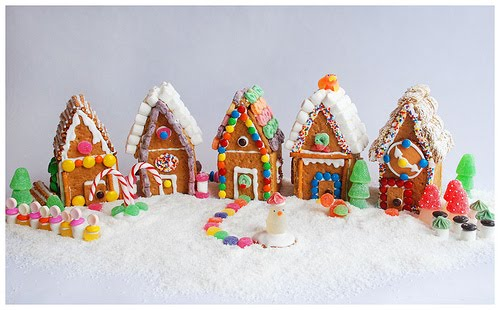 #gingerbreadhouse #grahamcrackerhouse #dessert #holidays