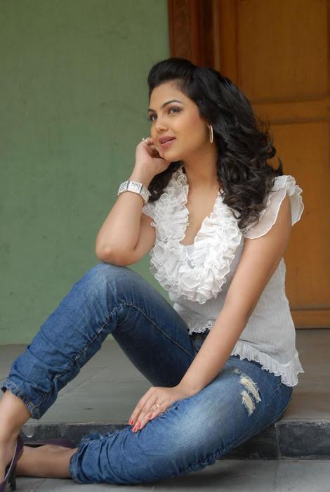 priyanka tiwari new , glamour  images